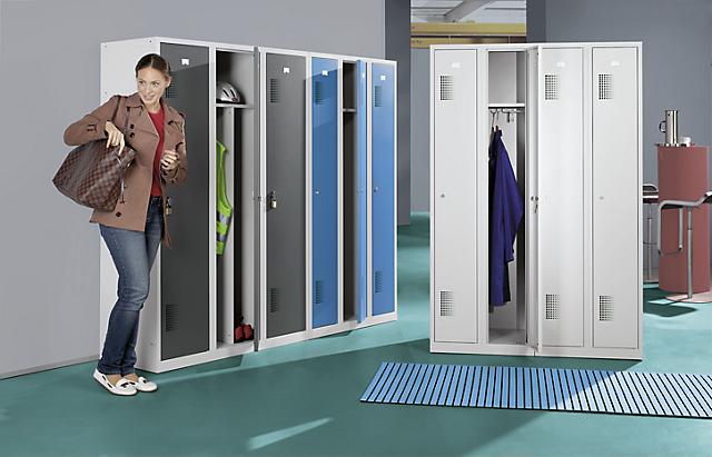 Smernice pre pracoviská pre šatníkové skrine ha&