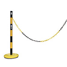 Barrier post extension set with chain