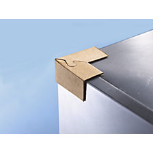 Corner protection bracket